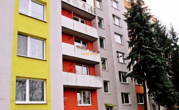 ZNÍŽENÁ CENA - PREDAJ 3 izb. BYT 82 M2, LEVICE